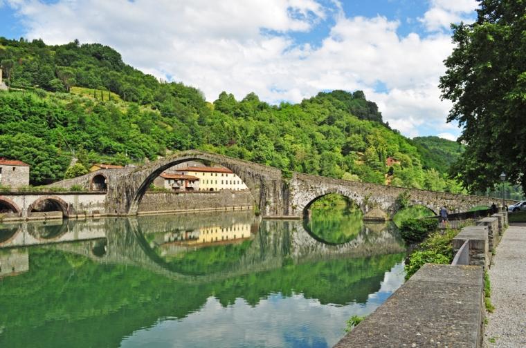 borgo-a-mozzano-devils-bridge-12